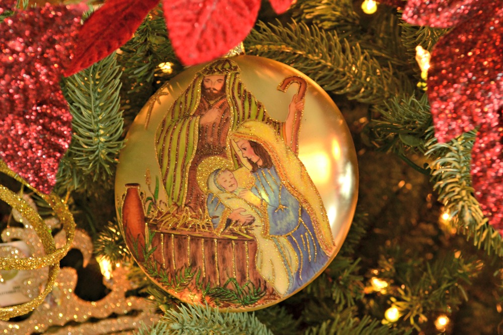 joy to the world ornament lg
