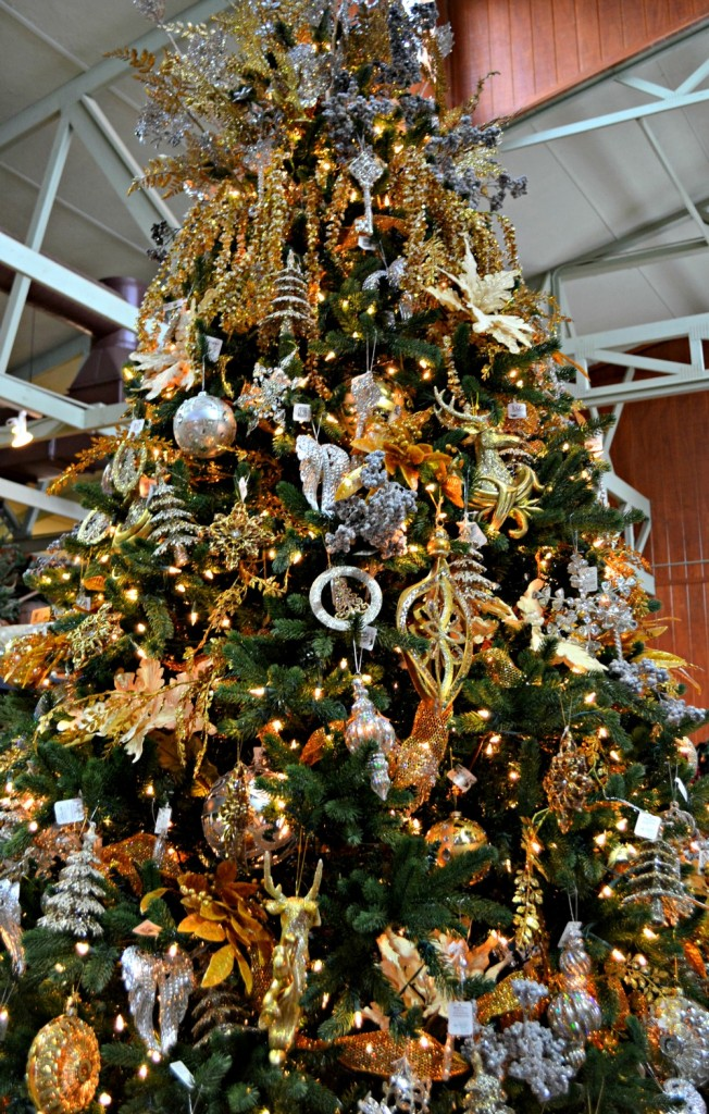 Gleaming and Bright Silver and gold Christmas tree theme